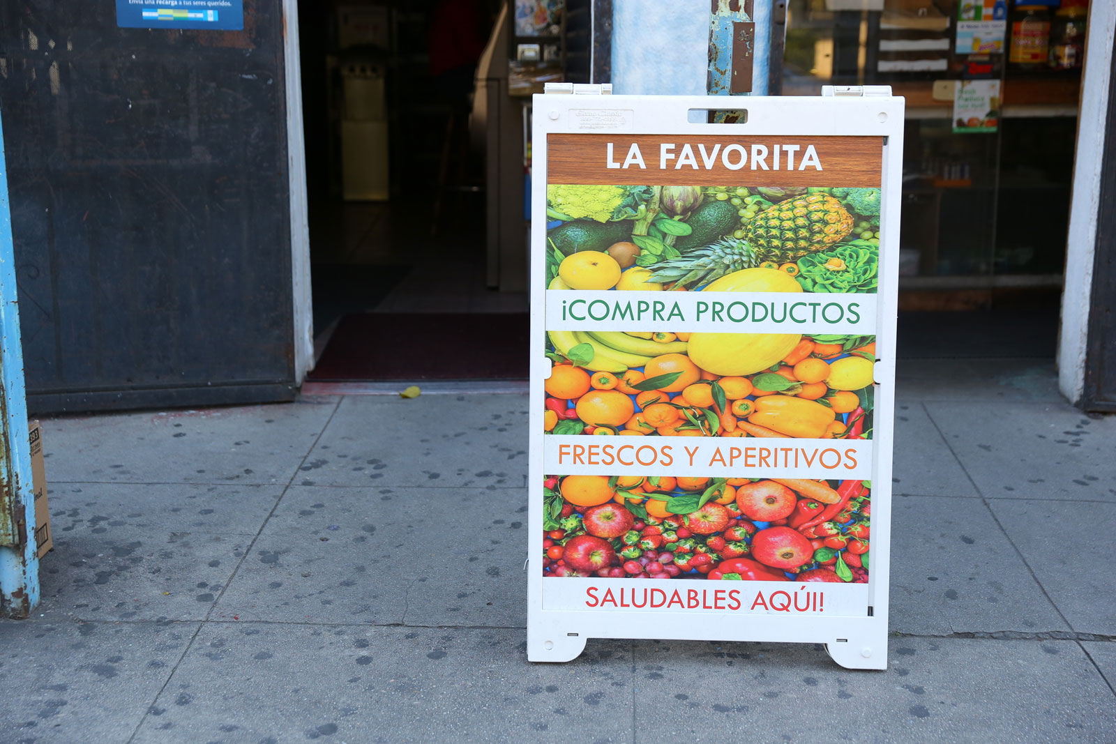 Fresh-Fruit-signage-at-Favorita